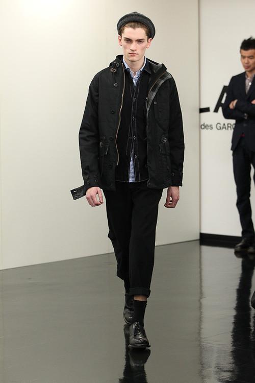FW13 Tokyo COMME des GARCONS HOMME022_Taylor Gannon(Fashionsnap)