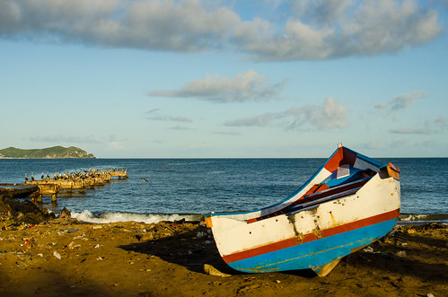 sea beach sunrise boat mar playa paisaje colores arena amanecer horizonte lancha sucre malecón bote marcaribe colorido paria pelicanos 2013 ríocaribe edosucre destinofotoarte
