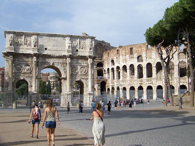 Coliseo de Roma y Arco de Tito
