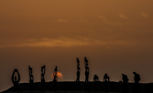 sunset sun beach saint louis landscapes tramonto silhouettes figurines figure senegal sole figures paesaggi spiaggia statuine mat56 mygearandme mygearandmepremium