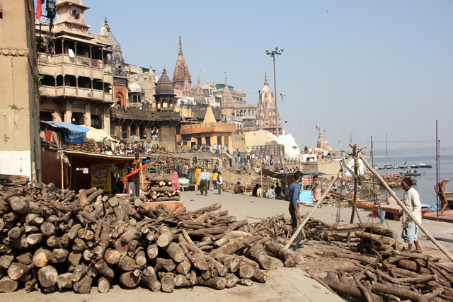 A far shot of the famous Manikarnika Burning Ghat