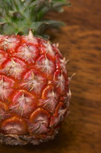 赤いパイナップル
