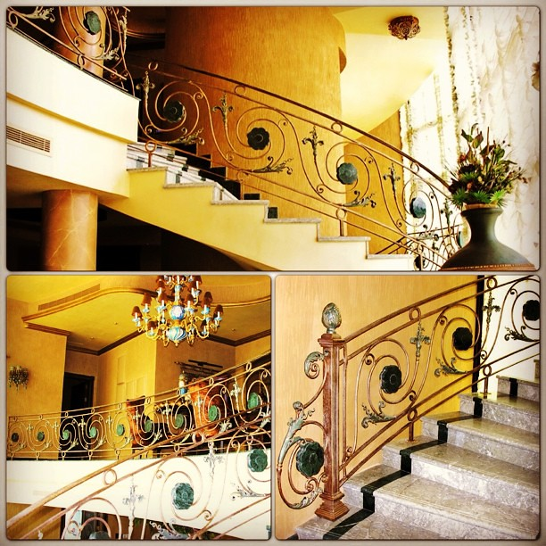 Wroughtiron handrail home luxury emerald stone for Arabic home decoration