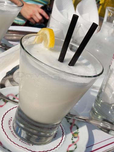 件のレモンシャンペンカクテル