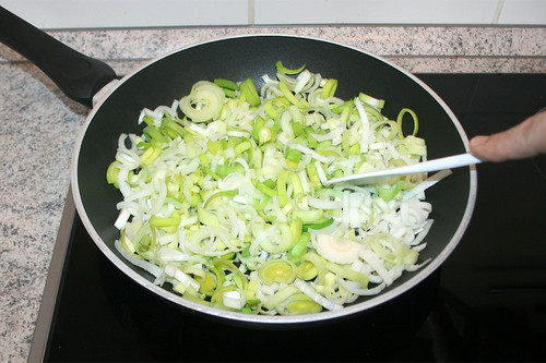 13 - Lauch ohne Fett andünsten / Braise leek lightly without oil