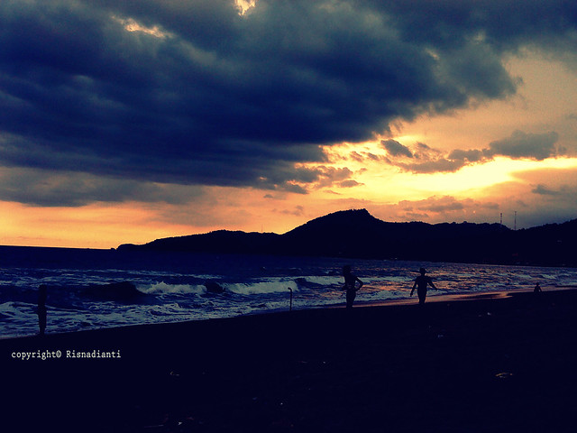 Sunset at Karang Hawu Beach-001