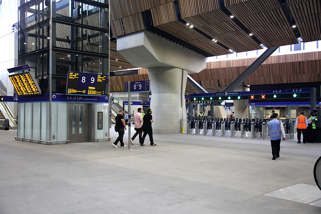 London Bridge Station - paid area and lift tower and gatelines