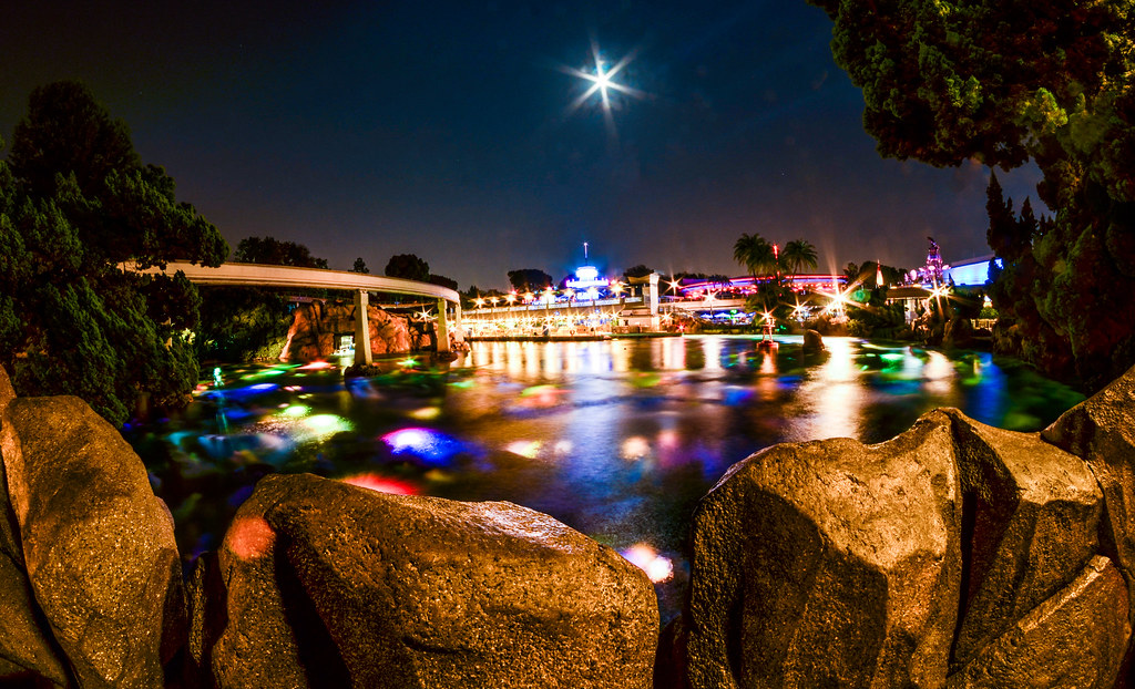 Tomorrowland lagoon night