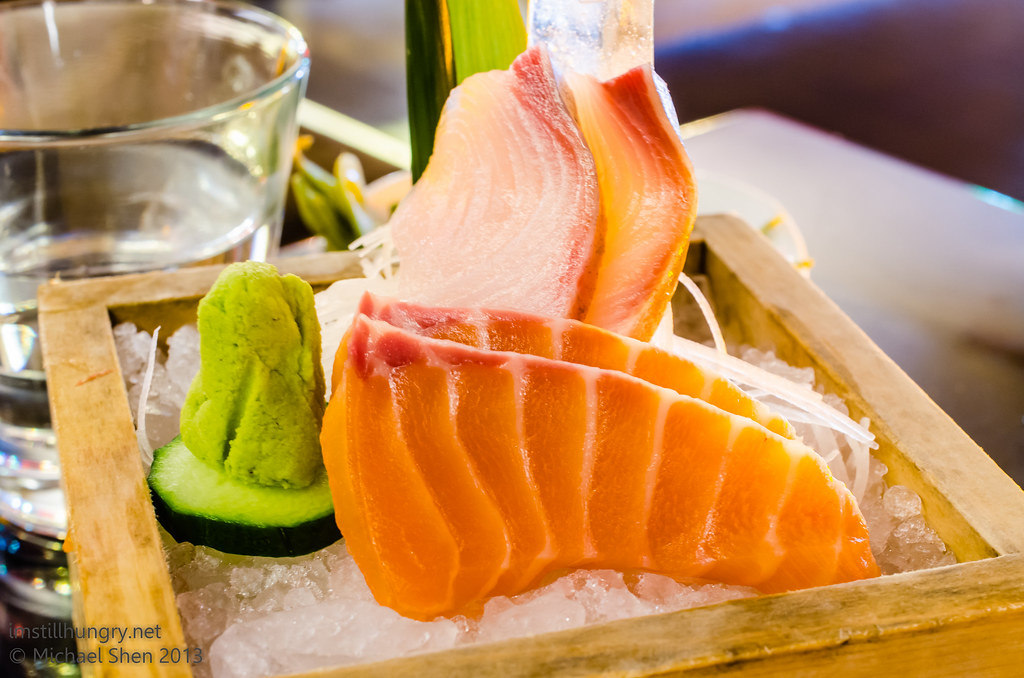 Tokonoma Selection of sashimi - salmon + kingfish