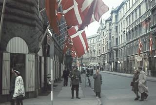 2 frihedskæmpere på hjørnet af Palægade og Bredgade i København