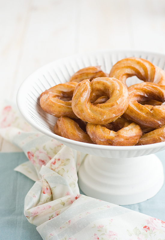 Receta de crullers franceses caseros. French crullerss