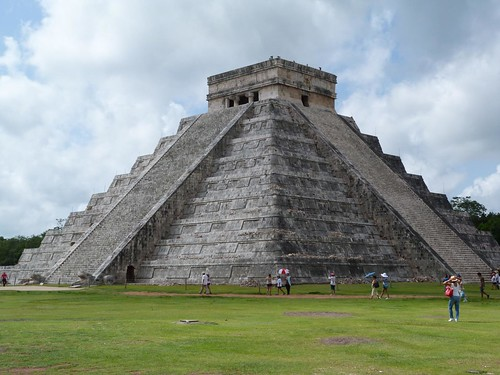 Pirámide maya de Kukulkán (Chichen Itzá, México)