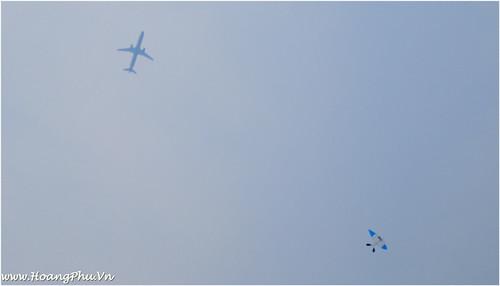 Máy bay và Diều sáo