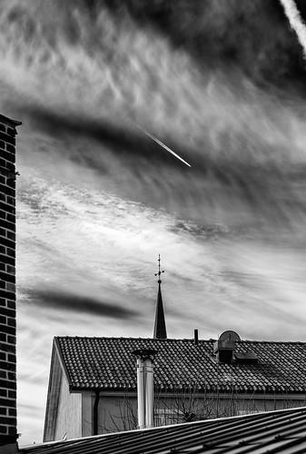 roof sky cloud easter sweden sverige påsk mariefred södermanlandslän canonef85mmf12liiusm canoneos5dmarkiii