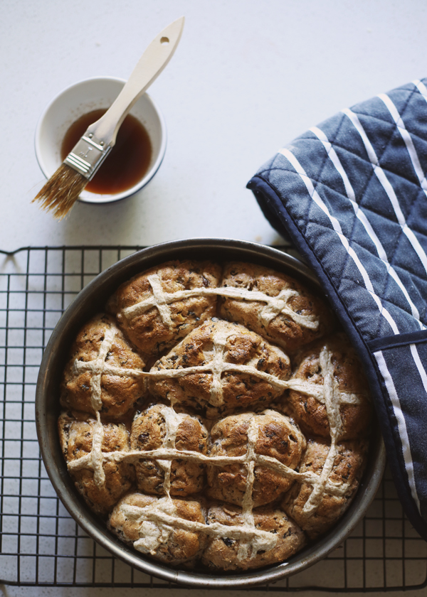 Hot Cross Buns / The Gluten Free Scallywag