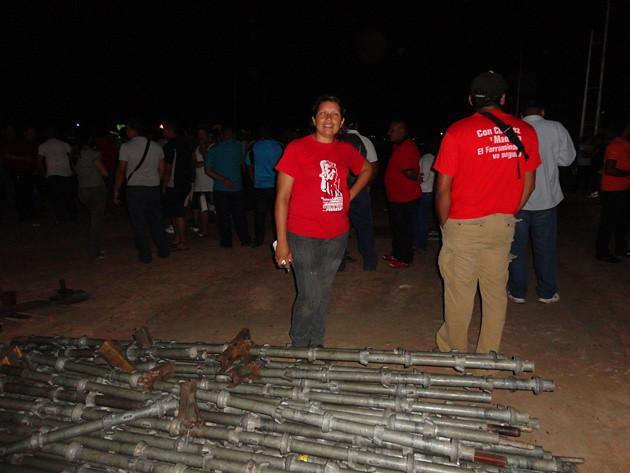 Desmontan tarima de Capriles en Puerto Ordaz