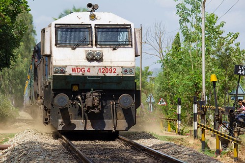 indianrailways ir hei heggere swr siddhaganga superfast 12725 intercity express ubl wdg4 hubli emd 12092