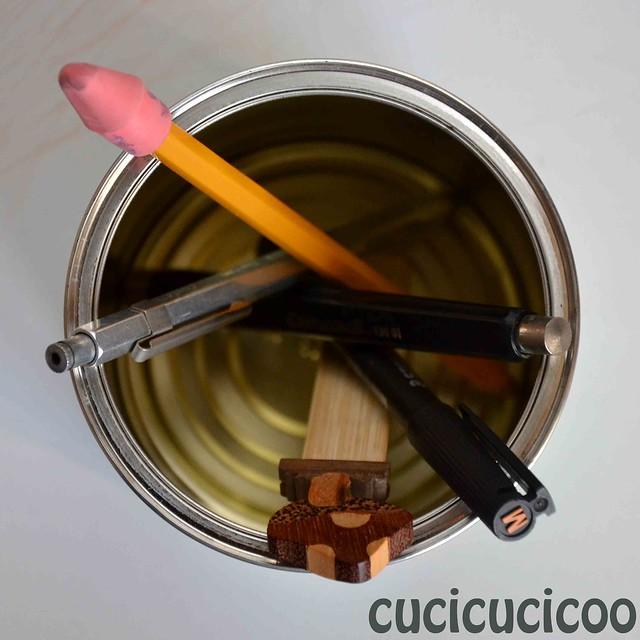 homemade pen holder, seen from above