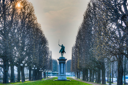 Statue Of LaFayette Cours La Reine Paris Frances