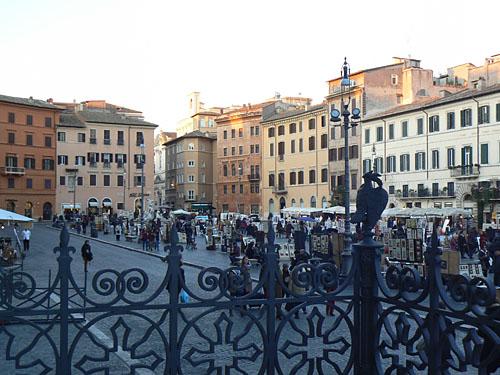 piazza Navona vue de la basilique.jpg