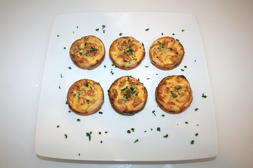 22 - Mini-Krabben-Quiches - serviert / Mini shrimp quiches - served