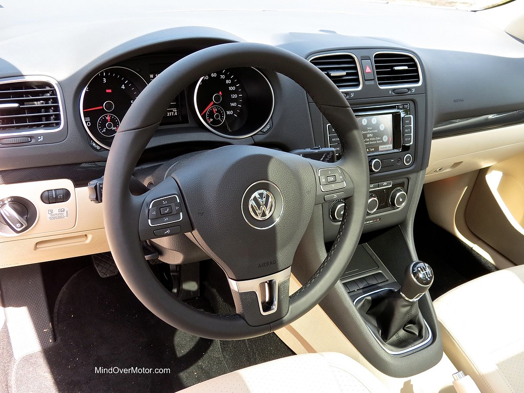 test driven 2013 vw jetta sportwagen tdi manual 9 10 mind over rh mindovermotor com 2015 jetta manual 2012 jetta manually close sunroof