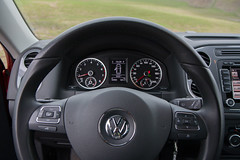 automobile, volkswagen tiguan, volkswagen, vehicle, steering wheel, land vehicle,
