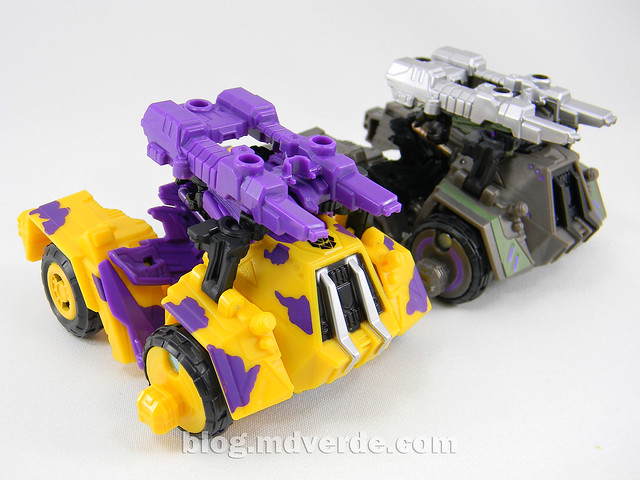 Transformers Onslaught Deluxe - G2 Fall of Cybertron - modo alterno vs SDCC