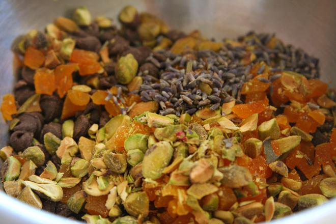 pistachio apricot biscotti 1