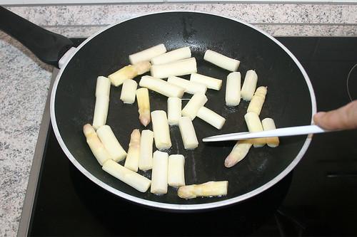 19 - Weißen Spargel kurz anbraten / Stir-fry white asparagus