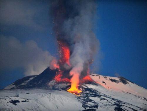 Etna, nuova fase eruttiva la 13esima dell'anno$