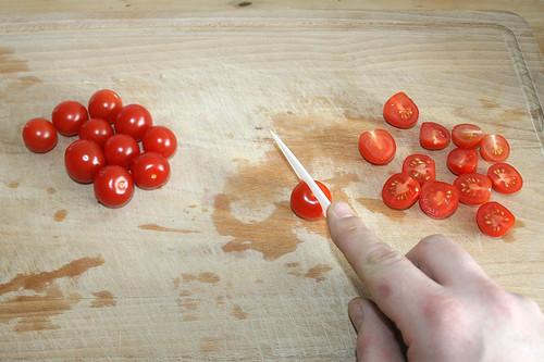 25 - Tomaten halbieren / Cut tomatoes in halfs