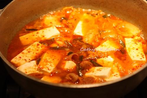 韓式辣泡菜豆腐豬肉湯 Pork Kimchi JjiGae 8