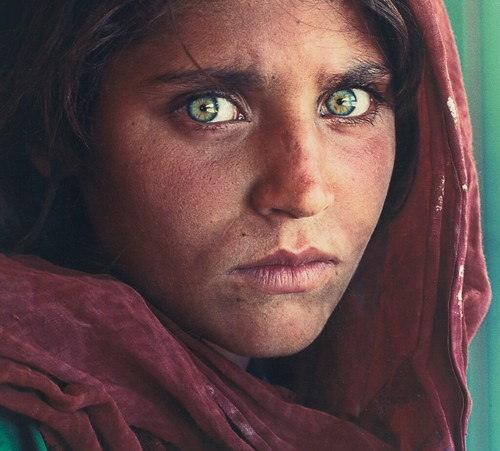 [ M ] Steve McCurry - Afghan Girl (1985) (Cover of the National Geographic, June 1985) - Detail
