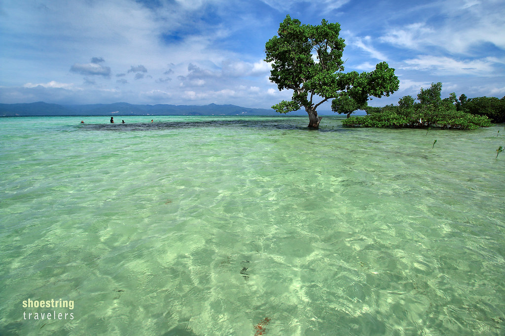 high tide at the Yang-In sandbar at Cagbalete Island