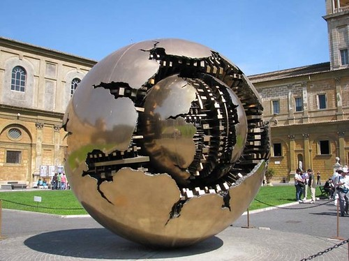 Arnaldo Pomodoro, at the Vatican.
