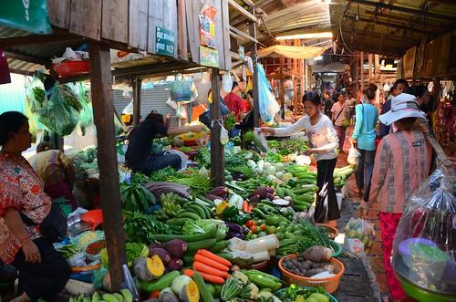 veg vendors, Central Market, Phnom Penh