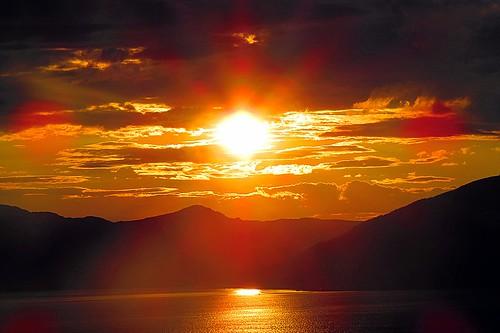 sunset sea sun seascape mountains silhouette clouds reflections landscape scotland scenery argyll schottland ecosse scozia cowalpeninsula firthoftheclyde canonpowershotsx50hs