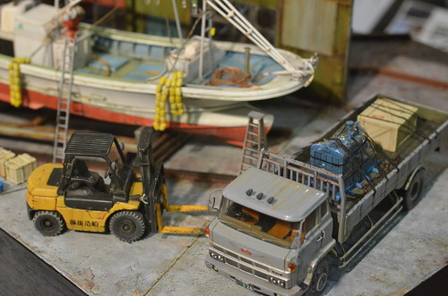 トタン壁の造船所