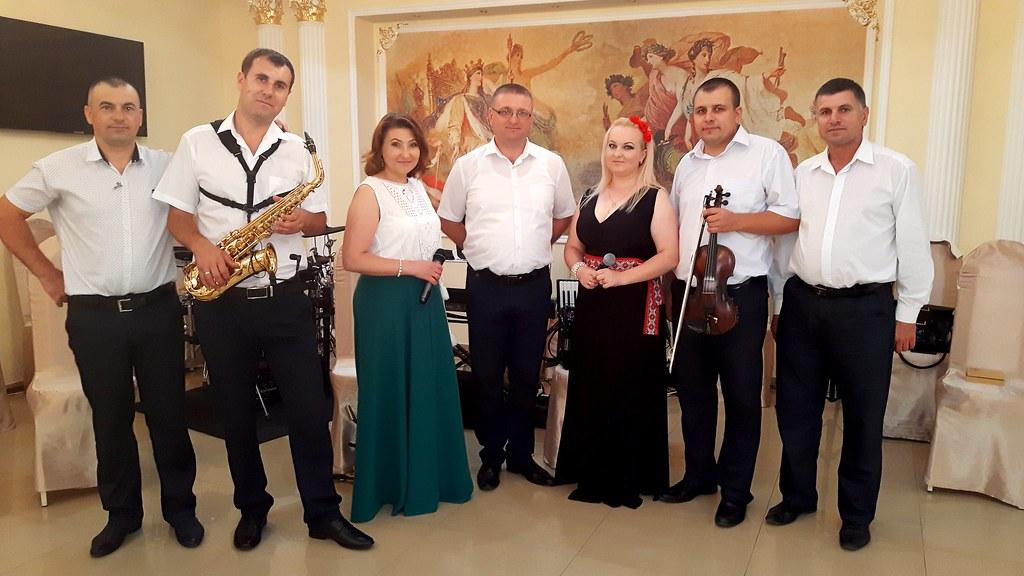 """Музыкальный ансамбль """"RAPSODIA """" Chisinau"""