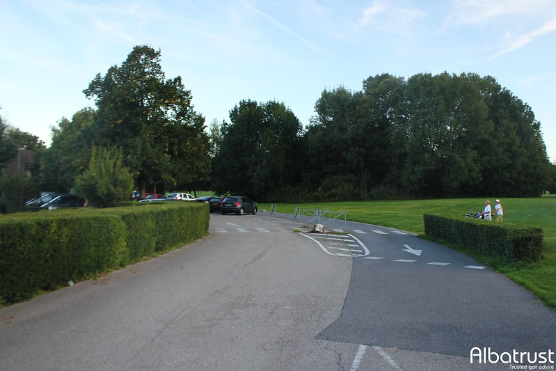 photo du golf Golf De Gonville - Parking