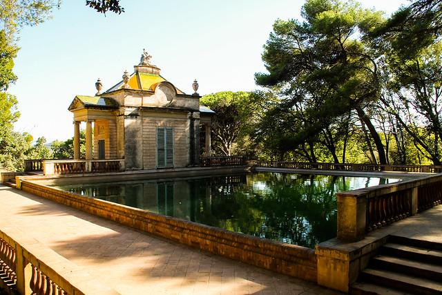 La piscina del laberinto