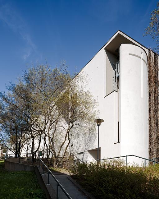 Kristian Gullichsenin suunnittelema Kauniaisten kirkko