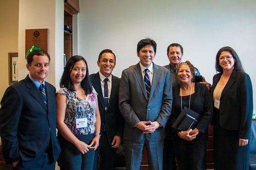 Senator DeLeon with I&E attendees