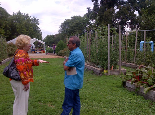 Patsy Benveniste, Vice President of Community Education Programs at the Chicago Botanic Garden, speaks with NIFA National Program Leader Siva Sureshwaran who leads the Beginning Farmer and Rancher Development Program (Photo: Alexandra Wilson)