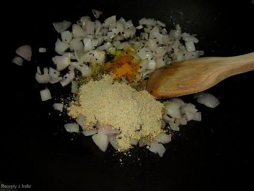 zemiaky s kari listkovym korenim 007