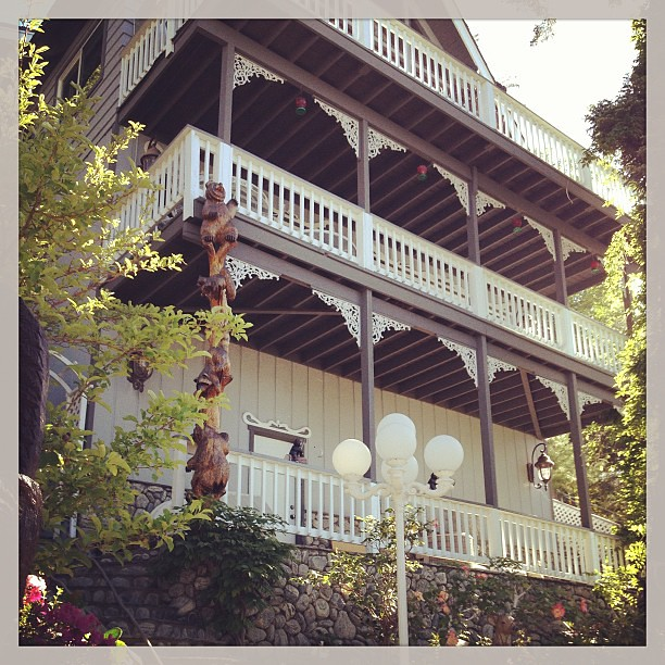 Houses in the woods: New Orleans Square  #lakearrowhead #housesinthewoods