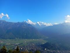 Interlaken - in dust, Schreckhorn, Finsteraarhorn, Eiger, Mönch (in Wolke), Jungfrau - not, clear