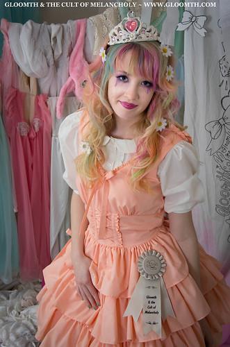 daisies in hair lolita harajuku fashion