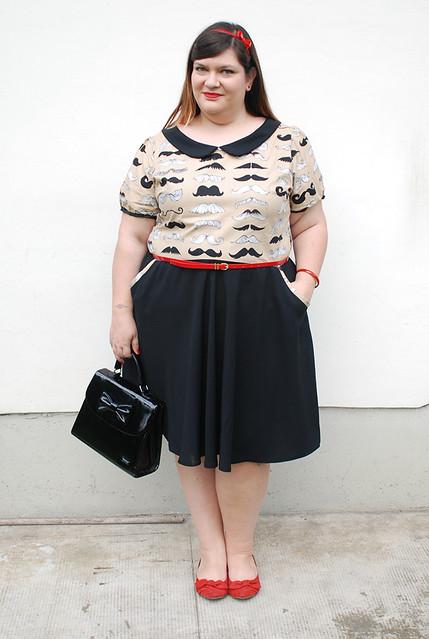 outfit plus size con baffi7